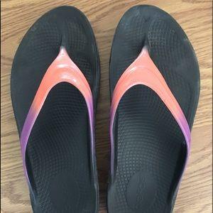 Ooofas Flip Flops.  Size 10.